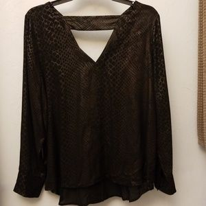 a.n.a Petite large Dressy Top
